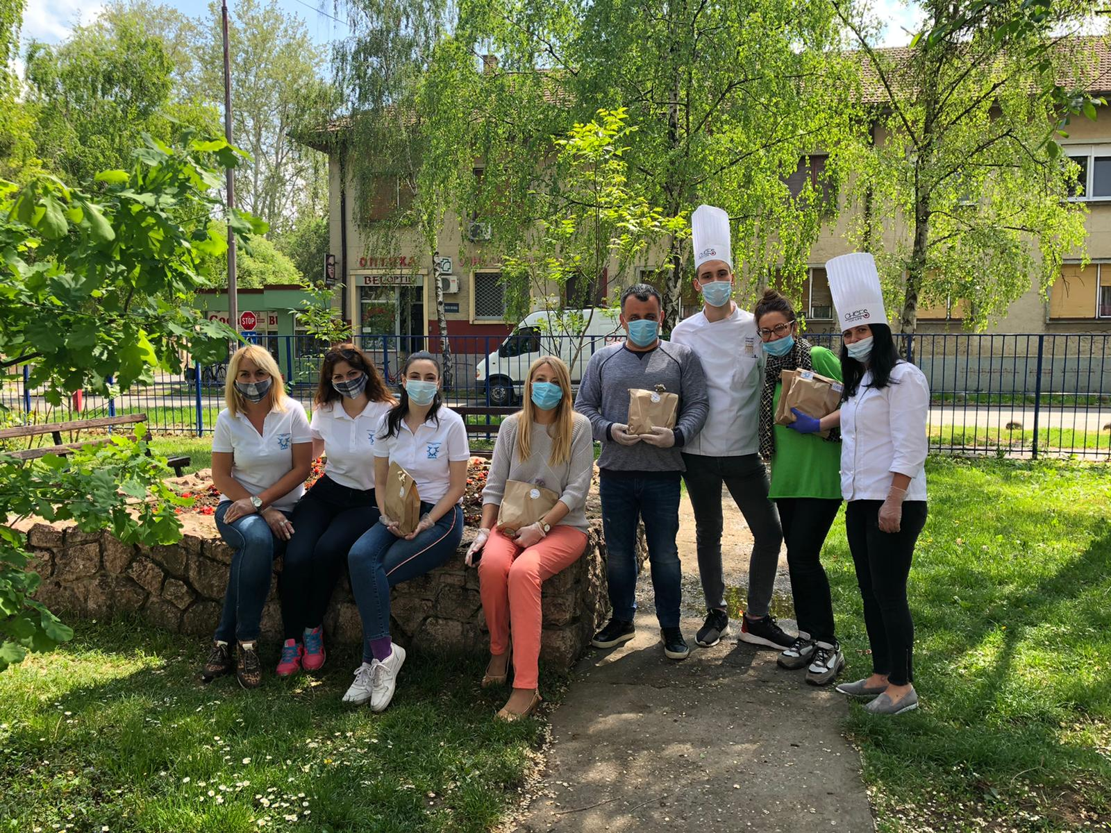 Empata volunteers in Serbia assisting people affected by COVID-19.